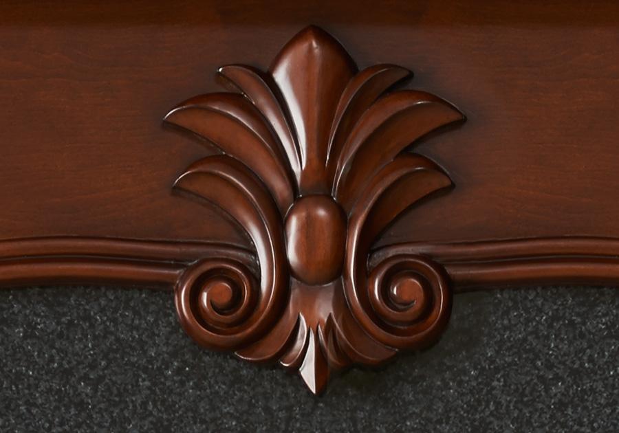 Ornement décoratif en bois massif sculpté à la main