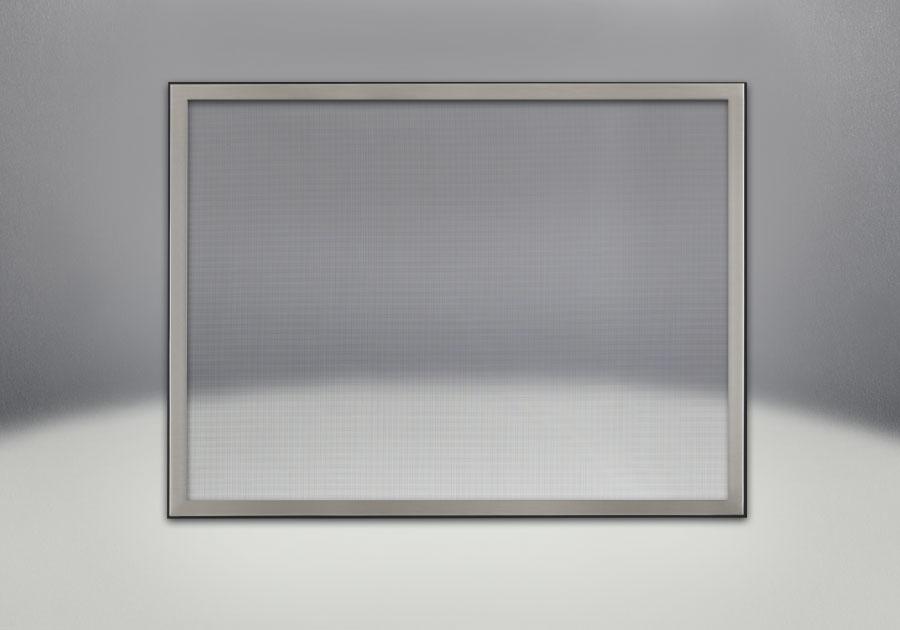 Façade classique illustrée avec un revêtement en fini nickel brossé et un écran de protection
