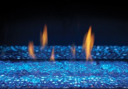 Billes de verre transparentes avec lumières DEL réglées sur bleu