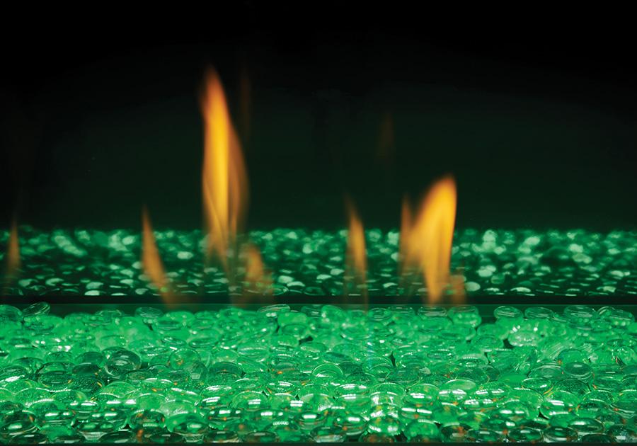 Billes de verre transparentes avec lumières DEL réglées sur vert