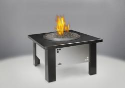 Table et comptoir en granite noir (optionnels et vendus séparément)