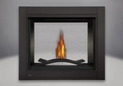 Péninsule, panneaux réflecteurs radiants en porcelaine MIRO-FLAMME<sup>MD</sup>, brûleur pour braises de verre comprenant un lit de braises CRYSTALINE<sup>MD</sup> topaze