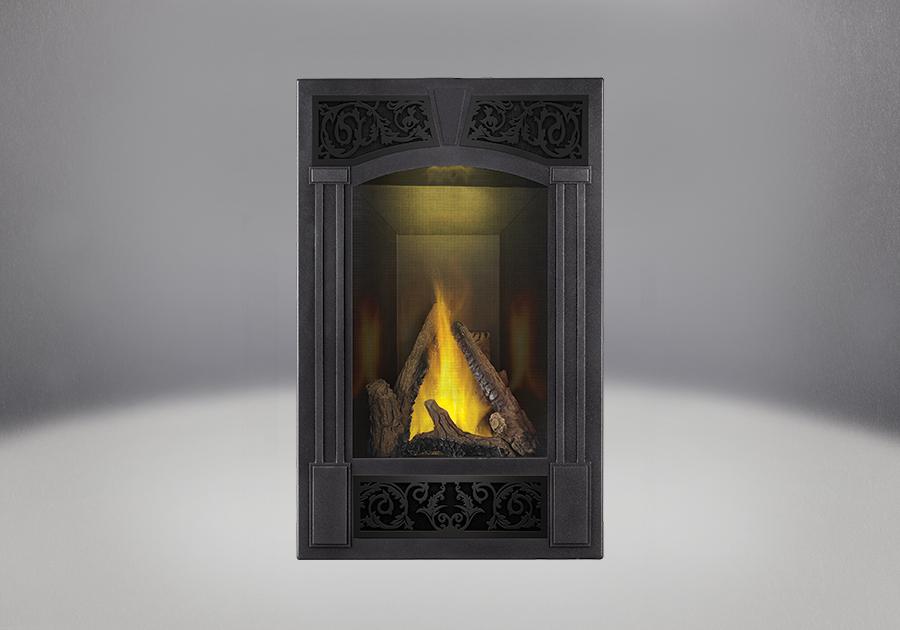 Bûches PHAZER<sup>®</sup>, façade traditionnelle, fini étain martelé, panneaux réflecteurs radiants en porcelaine MIRO-FLAMME<sup>MD</sup>, lumière de veille exclusive