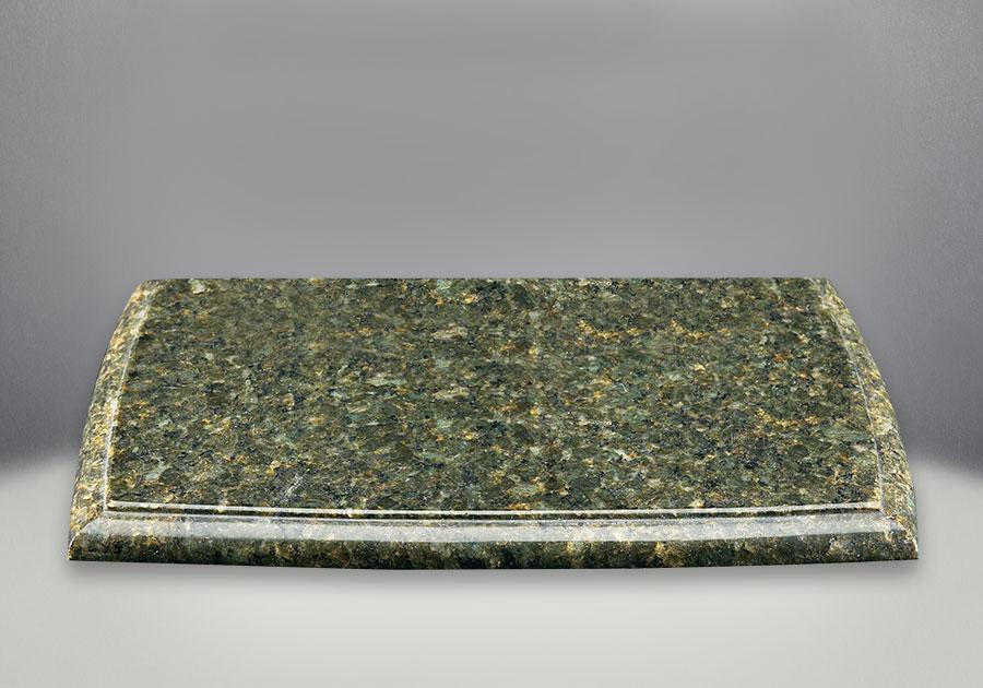 Plaque décorative pour dessus de poêle en fini vert Ubatuba (pierre naturelle - la couleur et le motif peuvent varier)