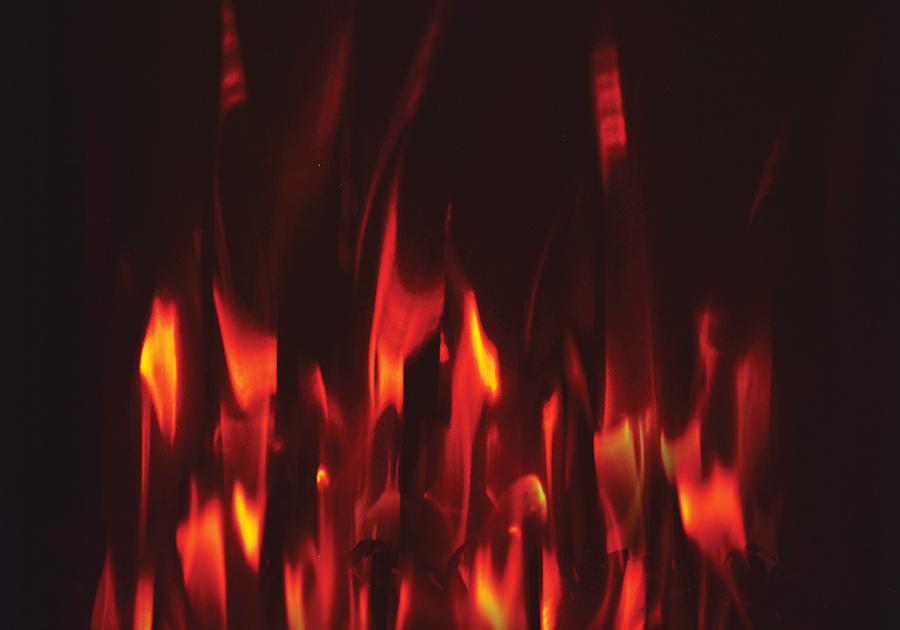 Jeu de flammes réglé sur l'orange