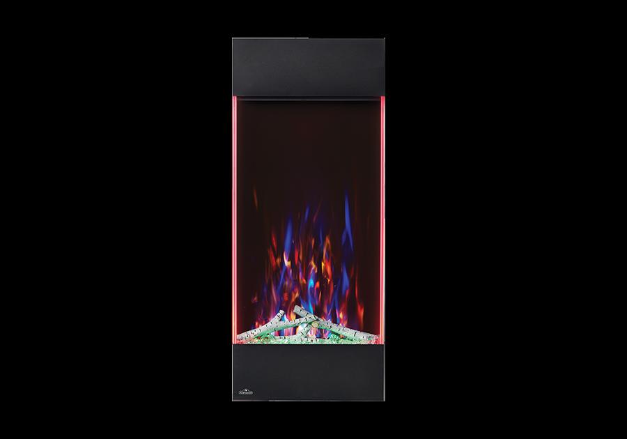 Illustré avec un jeu de flammes multicolore, un lit de braises vert et des lumières d'appoint latérales réglées sur le rouge