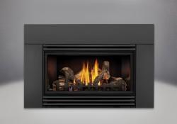 Bûches PHAZER<sup>®</sup>, panneaux réflecteurs radiants en porcelaine MIRO-FLAMME<sup>MD</sup>, contour de luxe offert en 6 po, persiennes - finis peint noir