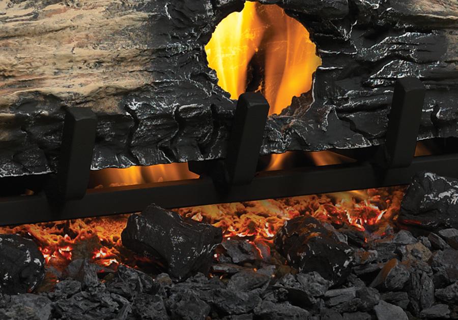 Morceaux de charbon de bois, braises de charbon de bois et braises incandescentes (offerts de série)