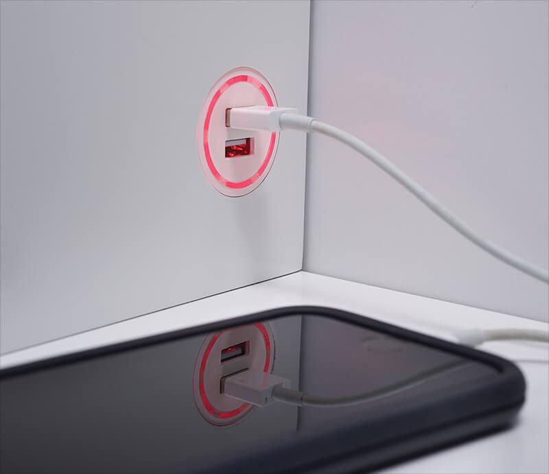 Port de chargement USB 2.0 double (rouge)